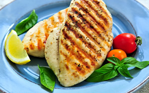 Healthy dinner recipes - grilled chicken with lemon-veggie relish