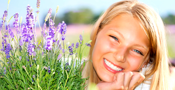 Herbs for hair growth - article head image