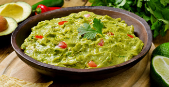 How to make a guacamole dip - article head image