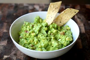 How to make a guacamole dip - guacamole dip image
