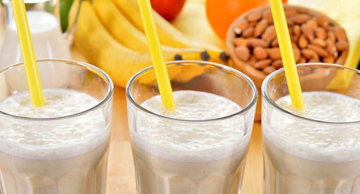 Almond Milk Benefits - article head image